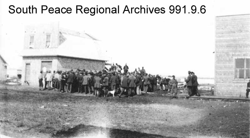 an auction sale in Grande Prairie, 1914