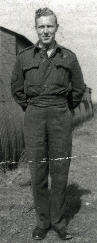 Ernie in 1944 on the base in Leeming
