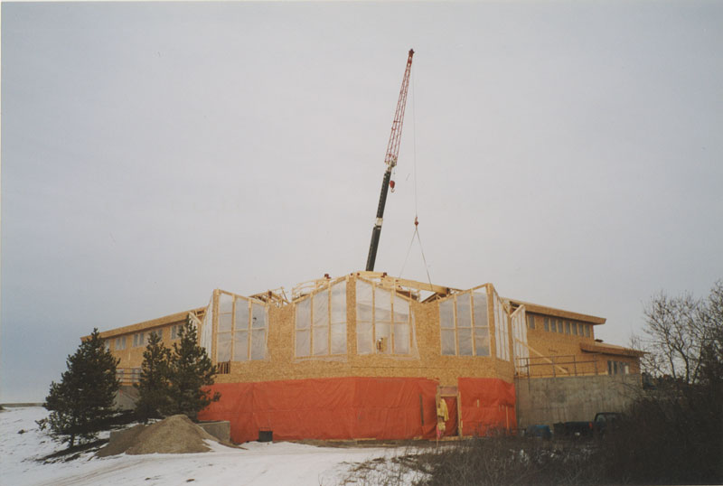 photo shows construction of centre 2000 before the cupola is placed